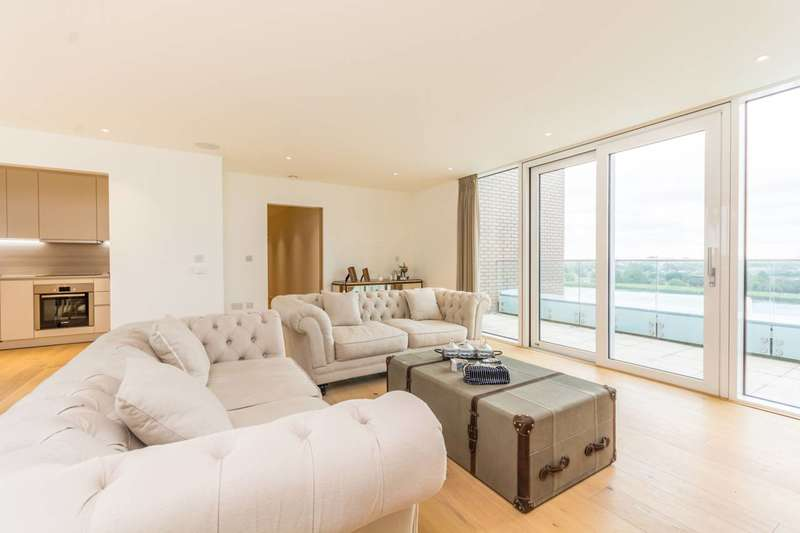 3 Bedrooms Flat for sale in Devan Grove, Manor House, N4