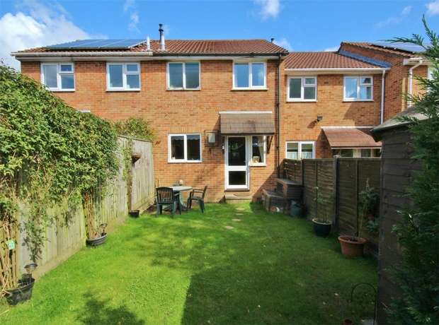 2 Bedrooms Terraced House for sale in Viscount Walk, Bearwood, BOURNEMOUTH, Dorset