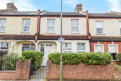 3 Bedrooms Terraced House for sale in Durban Road, Beckenham