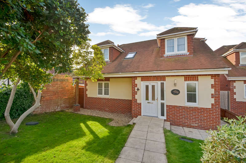 4 Bedrooms Detached House for sale in Drayton, Portsmouth
