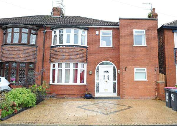 3 Bedrooms Semi Detached House for sale in 8 Southlands Avenue, Peel Green M30 7GL