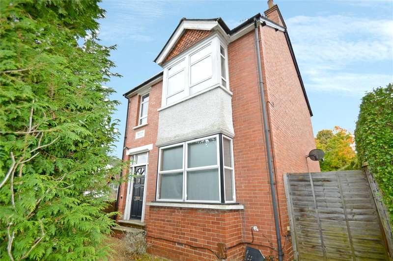 3 Bedrooms Maisonette Flat for sale in Croydon Road, Caterham, Surrey