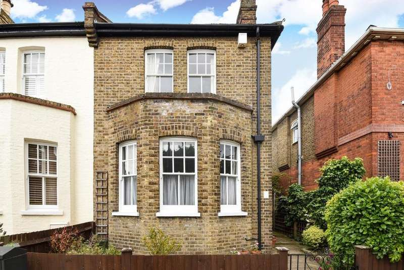 3 Bedrooms Semi Detached House for sale in Church Gardens, Ealing