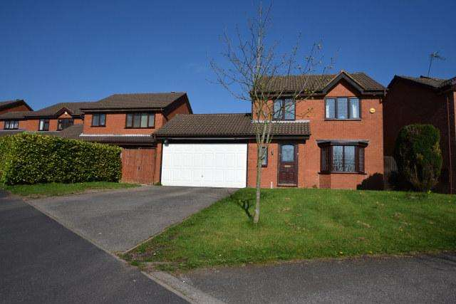 4 Bedrooms Detached House for sale in Corsican Drive,Hednesford,Cannock