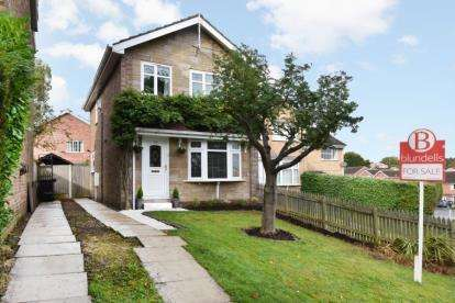 3 Bedrooms Detached House for sale in Berry Avenue, Eckington, Sheffield, Derbyshire