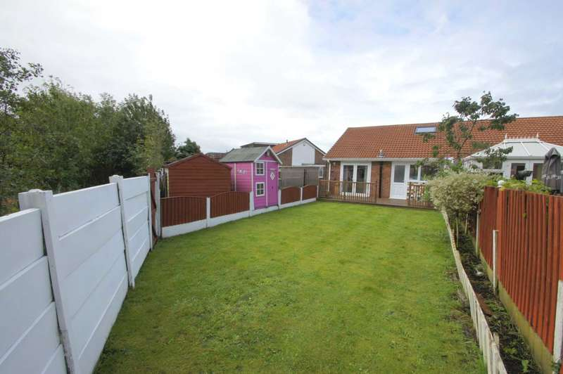 2 Bedrooms Semi Detached Bungalow for sale in Hertford Drive, Tyldesley
