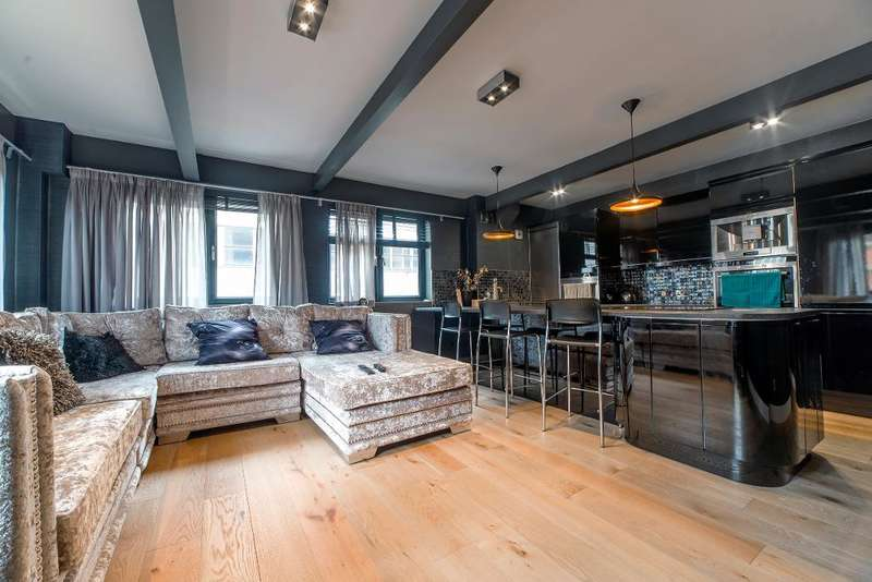 2 Bedrooms Apartment Flat for rent in Dickinson Street, Manchester, M1 4LX