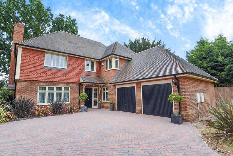 5 Bedrooms Detached House for sale in Chapel Gate Place, Chislehurst