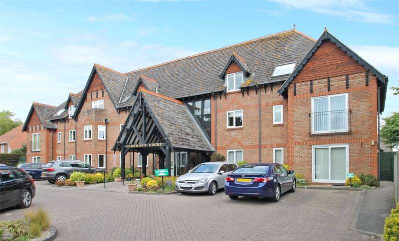 2 Bedrooms Retirement Property for sale in Chermont Court, The Street, East Preston, BN16