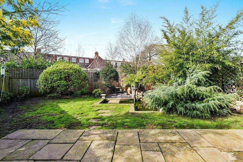 5 Bedrooms Semi Detached House for sale in Burntwood Close, Wandsworth, London, SW18