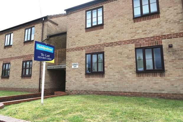 Studio Flat for rent in Harefield Road, Swaythling (Part Furnished)