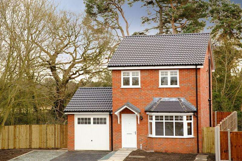 3 Bedrooms Detached House for sale in 23 Weston Road, Morda