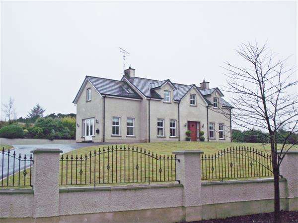 4 Bedrooms Detached House for sale in 88 Glen Road