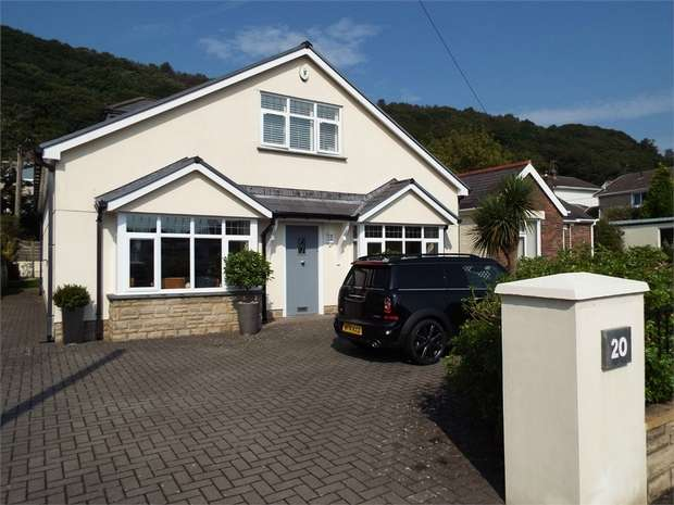 3 Bedrooms Detached Bungalow for sale in New Road, Jersey Marine, Neath, West Glamorgan