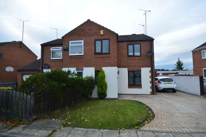 3 Bedrooms Semi Detached House for sale in Tarn Court, Outwood, Wakefield, WF1