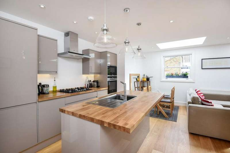 2 Bedrooms Flat for sale in Mablethorpe Road, Fulham
