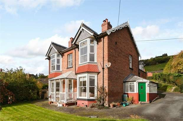 5 Bedrooms Detached House for sale in Llwynon Lane, Newtown, Powys