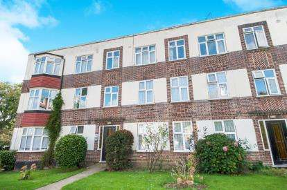 2 Bedrooms Flat for sale in Queens Road, Leytonstone, Waltham Forest