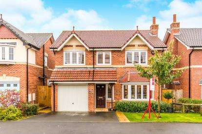 4 Bedrooms Detached House for sale in Napier Drive, Horwich, Bolton, Greater Manchester