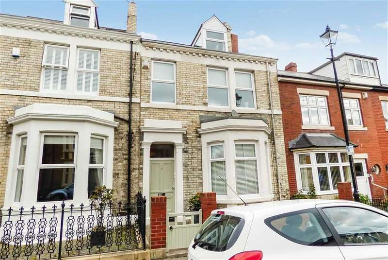 3 Bedrooms Flat for sale in Latimer Street, Tynemouth
