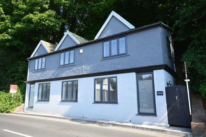 1 Bedroom Property for sale in Lower Street, Haslemere