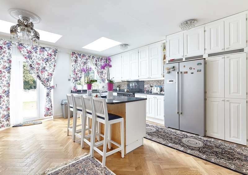 3 Bedrooms End Of Terrace House for sale in Colin Gardens, London, London, NW9