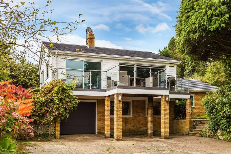 5 Bedrooms Detached House for sale in Woodhurst Lane, Oxted, RH8