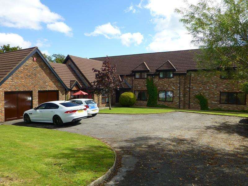 5 Bedrooms Detached House for sale in Beidr Non Llannon, Llanelli, Carmarthenshire.