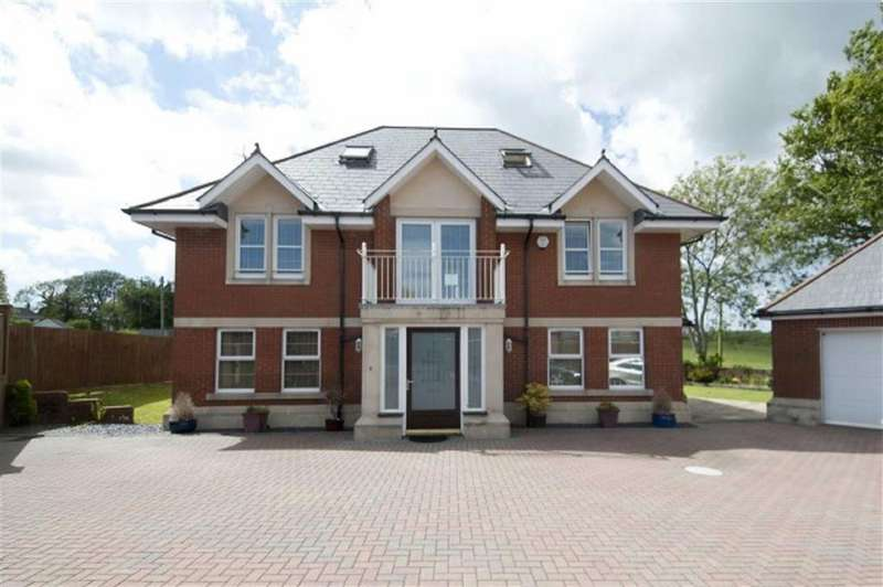4 Bedrooms Detached House for sale in Llys Gwyr, Upper Killay, Swansea