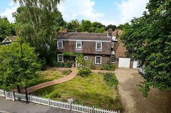 6 Bedrooms Detached House for sale in Ashfield Lane, Chislehurst, Kent, BR7 6LQ
