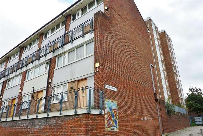 3 Bedrooms Maisonette Flat for sale in Walmer Terrace, Plumstead, London, SE18 7EB