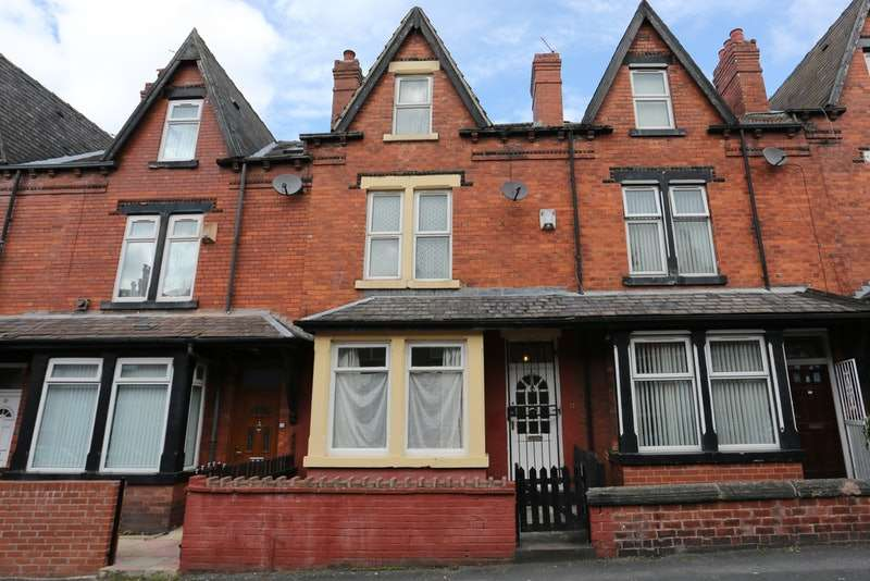 4 Bedrooms Terraced House for sale in sandhurst grove, leed, West Yorkshire, LS8