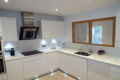 3 Bedrooms Flat for rent in Peveril Drive, The Park, Nottingham
