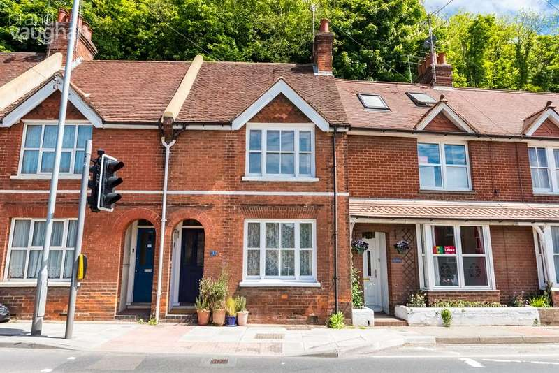 2 Bedrooms Town House for sale in Malling Street, Lewes, BN7