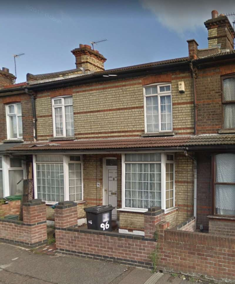 3 Bedrooms Terraced House for sale in Leavesden Road, Watford, Hertfordshire, WD24 5EH