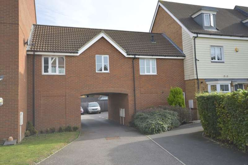 2 Bedrooms Flat for sale in Toad Hall Crescent, Chattenden, Rochester, ME3