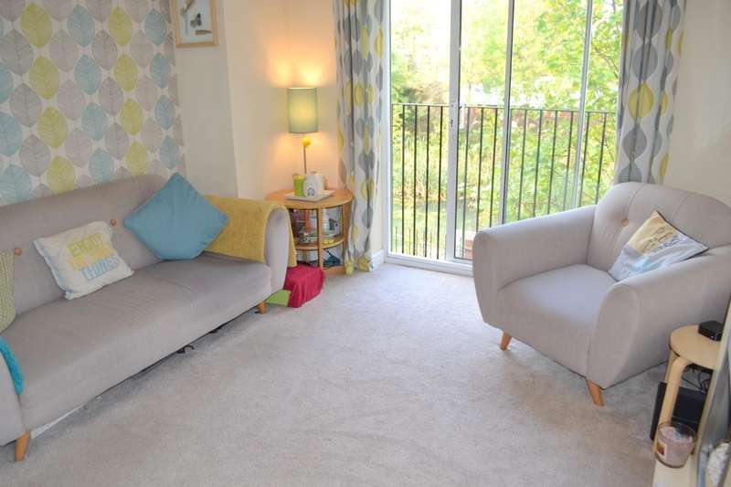 2 Bedrooms Flat for sale in Weston Drive, Bilston, WV14