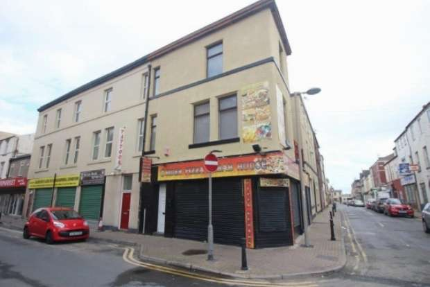 3 Bedrooms Property for sale in Foxhall Road South Shore Blackpool