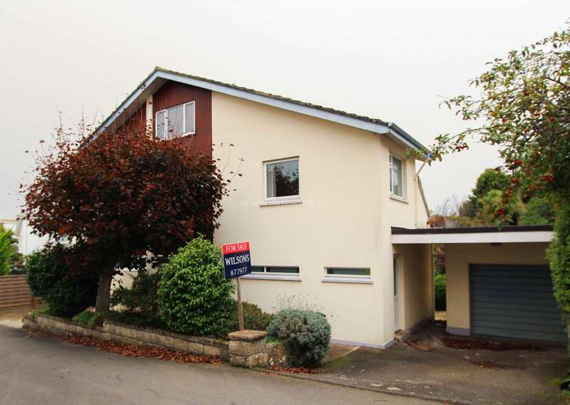 4 Bedrooms Detached House for sale in Grouville