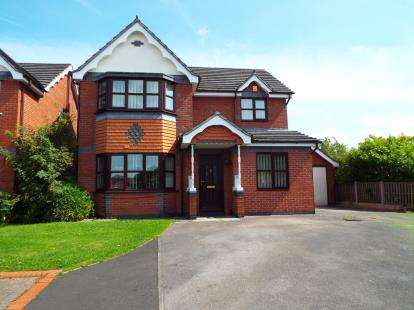 4 Bedrooms Detached House for sale in The Orchards, Shavington, Crewe, Cheshire