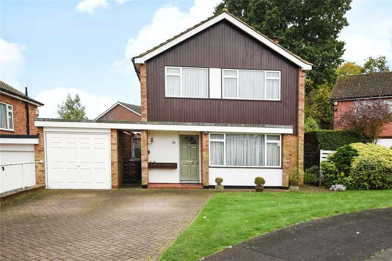 3 Bedrooms Detached House for sale in Kelvin Crescent, Harrow, Middlesex, HA3