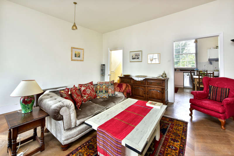 3 Bedrooms Maisonette Flat for sale in Kentish Town Road, NW1 9PU