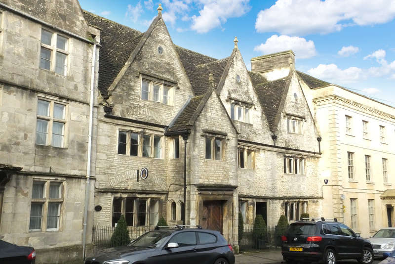 3 Bedrooms Commercial Property for sale in Tetbury
