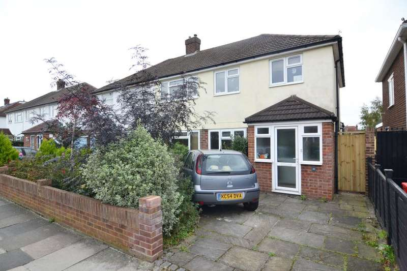 3 Bedrooms Semi Detached House for sale in Cleves Way, Hampton, TW12