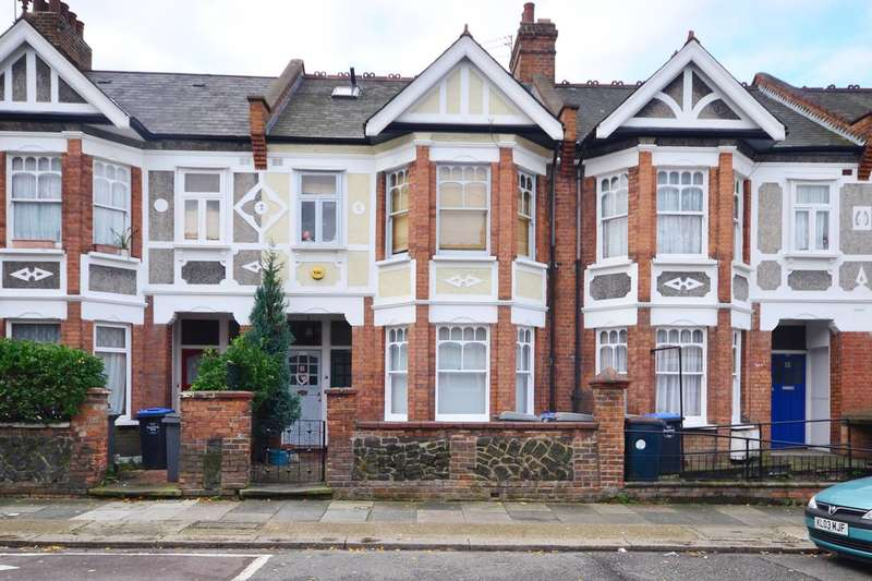 3 Bedrooms Flat for sale in Mora Road, Cricklewood, NW2