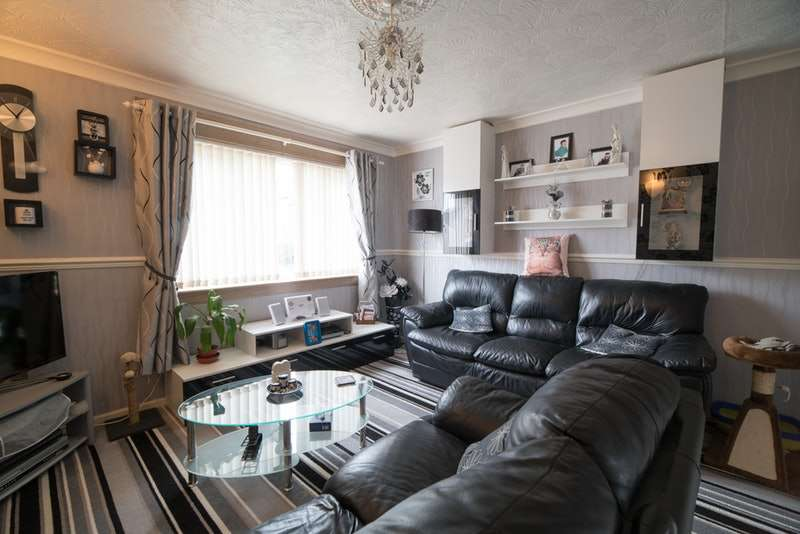 1 Bedroom Flat for sale in Rowantree Road, Johnstone, Renfrewshire, PA5