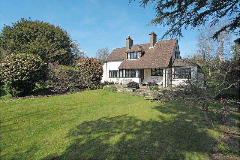 4 Bedrooms Detached House for sale in Alice Bright Lane, Crowborough, East Sussex