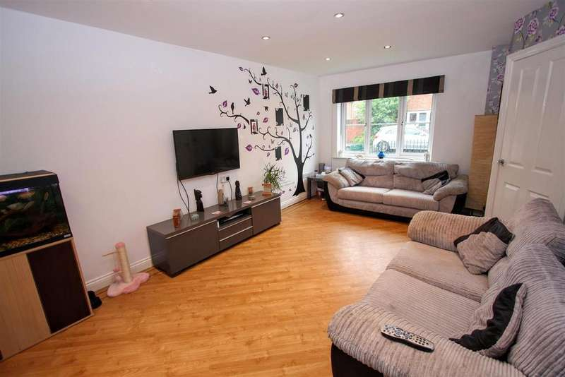 3 Bedrooms Semi Detached House for sale in Wildair Close, Darlington