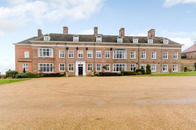 3 Bedrooms Flat for sale in Breakspear House, Breakspear Road North, Harefield, Middlesex