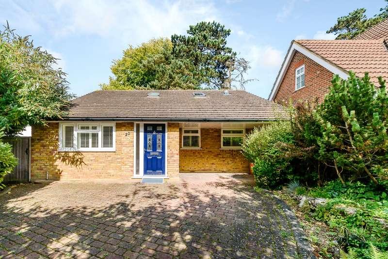 3 Bedrooms Detached Bungalow for sale in The Ridgeway, Watford, Hertfordshire